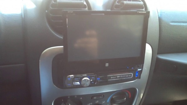 2004 Jeep Liberty  Dual 7  Flipout Touchscreen  Bluetooth