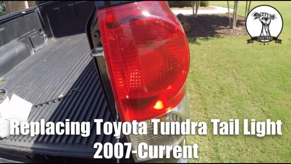 Toyota Tundra Tail Light Replacement 2007