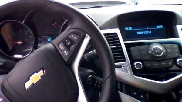 2011 Chevrolet Cruze Lt Start Up, Quick Tour, & Rev With Exhaust
