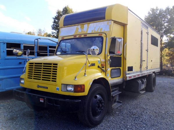 2000 International 4900 Single Axle Box Truck For Sale By Arthur